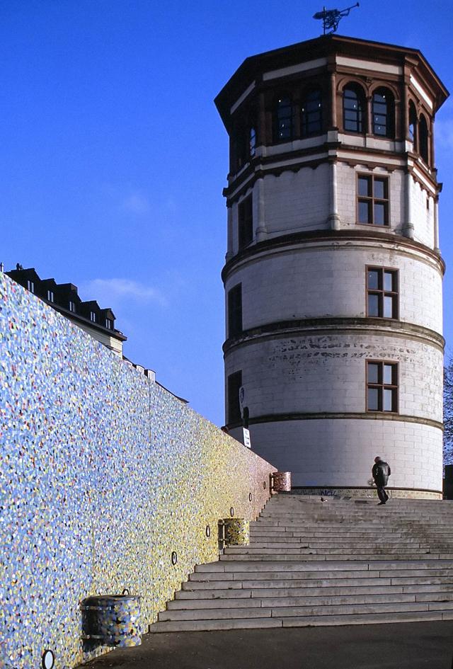©Wiese-02 Burgplatz